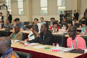 Mainstream Media Delegation from French-speaking African Countries Visited Dagang Road Machinery Company